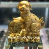 Chó ngậm xâu vàng trên đống tiền vàng C031A