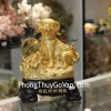 Chó vàng đứng trên bao tải tài lộc C019A