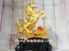 Vua ngựa vàng bóng trên núi mẫu đơn vàng hồng ngọc đế gỗ LN128