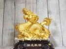 Vua rồng vàng bóng cầm hoàng ngọc cưỡi mây vàng đế gỗ LN148