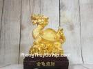 Thần rùa đầu rồng vàng bóng mai cõng bát quái trên đống tiền vàng đế gỗ LN163