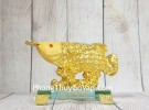 Thần cá kim long vàng kim sa vẩy tiền vàng trên sóng vàng đế thuỷ tinh LN167