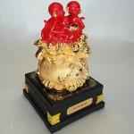 K029M 1 150x150 Gia đình khỉ đỏ trên túi vàng K029M
