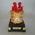 K029M 150x150 Gia đình khỉ đỏ trên túi vàng K029M