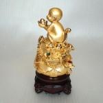 K047M 2 150x150 Khỉ dâng vàng trên giỏ tài lộc K047M