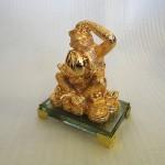 K079M 1 150x150 Khỉ vàng ôm đào K079M