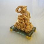 K088M 2 150x150 Khỉ vàng ôm tháp nguyên bảo K088M