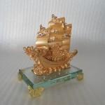 H453G.2 150x150 Thuyền buồm vàng nhỏ H453G