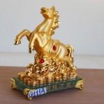 g111a ngua vang de thuy tinh 1 150x150 Ngựa vàng trên như ý G111A