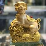 CHO VANG TREN BAO TAI VANG C033A 1.JPG 150x150 Chó vàng trên bao tải vàng đế thủy tinh C033A