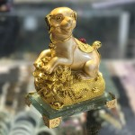 CHO VANG TREN BAO TAI VANG C033A 2.JPG 150x150 Chó vàng trên bao tải vàng đế thủy tinh C033A