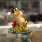 c115a trau vang om ngoc 2 150x150 Trâu vàng trên chậu vàng đế thủy tinh C115A
