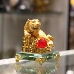 c124a ho vang de thuy tinh 1 150x150 Hổ vàng trên đống tiền vàng đế thủy tinh C124A