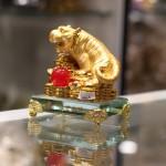 c124a ho vang de thuy tinh 2 150x150 Hổ vàng trên đống tiền vàng đế thủy tinh C124A