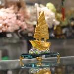 c189a thuyen vang hop kim 1 150x150 Thuyền buồm vàng bạch kim đế thuỷ tinh lớn C189A