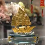 c189a thuyen vang hop kim 2 150x150 Thuyền buồm vàng bạch kim đế thuỷ tinh lớn C189A