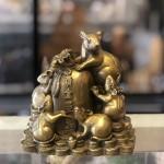 D293 1.jpg 150x150 Hoàng gia ngũ tí chuột đồng trên đống tiền vàng D293