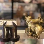 D300 3.jpg 150x150 Đại đế heo đồng cõng bắp cải trên đống tiền vàng D300