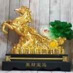 ln120 ngua vang keo cai 2.jpg 150x150 Thần ngựa vàng khủng kéo xe cải xanh trên đống tiền vàng LN120