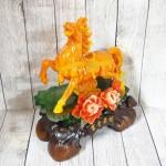 ln124 ngua cam may man.jpg 150x150 Nữ hoàng ngựa cam ngọc trên núi ngọc mẫu đơn cam đế gỗ LN124