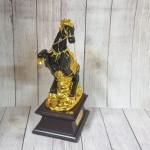 ln125 dai de ngua o.jpg 150x150 Đại đế ngựa ô mão vàng trên núi vàng đế gỗ LN125