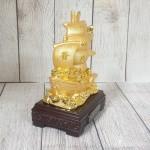ln144 thuyen buom vang 1.jpg 150x150 Thuyền buồm vàng bóng chở kim nguyên bảo lướt sóng vàng đế gỗ LN144