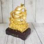 ln144 thuyen buom vang.jpg 150x150 Thuyền buồm vàng bóng chở kim nguyên bảo lướt sóng vàng đế gỗ LN144